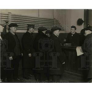 1920 Press Photo Police of Central Station Deportation Unit - nee26483