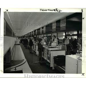 1984 Press Photo Traffic at Hopkins Airport