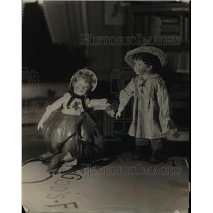 1920 Press Photo Dolls made of wood & hand painted by artists - nex82652