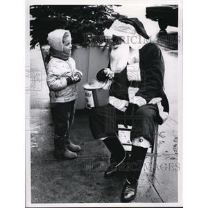 1968 Press Photo James Robinson as Santa Clause on Public Square - cva41590