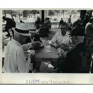 1970 Press Photo Card game on Lownsdale Square from Multnomah County Court House