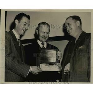 1951 Press Photo Medina Ohio Mayor John Brown, truckers EB Gibbs, WG Mitchell