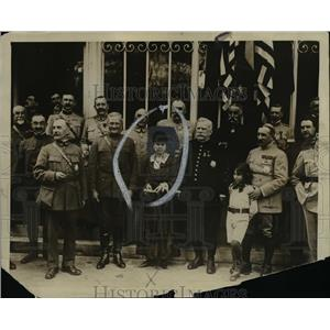 1917 Press Photo Mme. Joffre with General Pershing - cva97507
