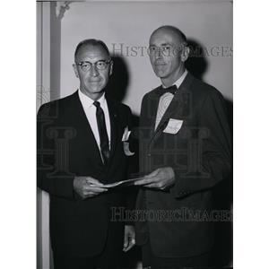 1962 Press Photo Earl P Johnson and Dr Robert Burker Gonzaga University