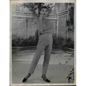 1955 Press Photo Boutique collection fashions by Hubert De Givenchy modeled