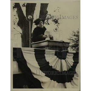 1933 Press Photo Lela C Evans of London at Mt Vernon NY speech - nee85867