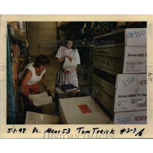 1998 Press Photo Voting in Oregon - orb58731