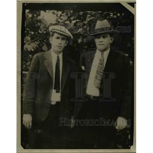 1930 Press Photo George W Moore on right & Robert Baker Sheriff - nee85984