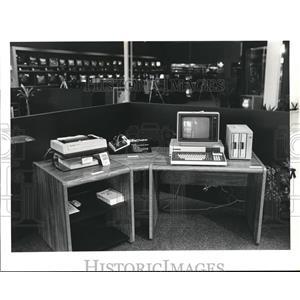 1984 Press Photo North East Appliance and Audio Store, Elyris - cva92538