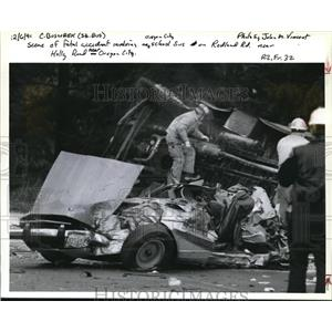1991 Press Photo Firefighters Examine the Wreckage of a Car & School Bus