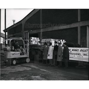 1964 Press Photo First aluminum billet of Kaiser Aluminum & Chemical Corp.