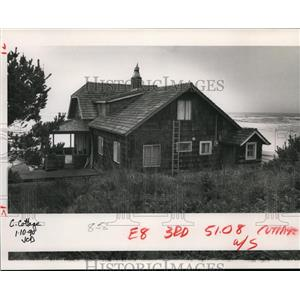 1990 Press Photo Library Association of Portland-beachfront cottage - orb74352