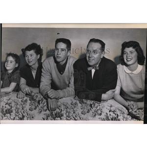 1953 Press Photo Caryl Ann, Mrs. Byrne, Bert, Mr. Thad Byrne & Bonnie
