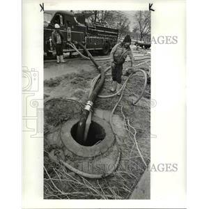 1983 Press Photo Water Department workmen - cvb03967