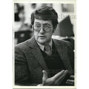 1981 Press Photo Paul Robinson Research Psychologist Supports Parental Rights