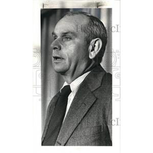 1981 Press Photo Alton Whitehouse, Sohio chairman at City club - cva77901