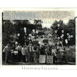 1984 Press Photo Clevelanders against illegal waste dumps in Ashtabula County
