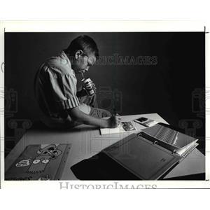 1990 Press Photo Nathan Albrecht with School Things - cva80405