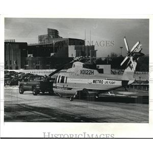 1990 Press Photo Metro Life Flight copter enroute to Home & Flower Show