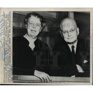 1948 Press Photo Mrs Eleanor Roosevelt & Major Henry Hooker on visit to London