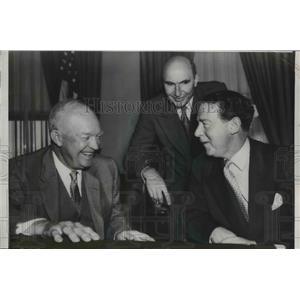 1956 Press Photo Pres.Dwight Eisenhower with British Amb. Sir Roger Makins.