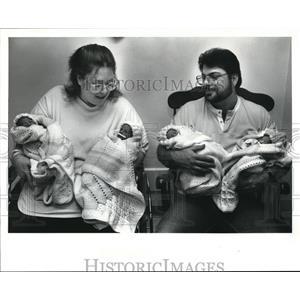 1989 Press Photo The Quintuplets Babies of Elonna and Robert McKibben