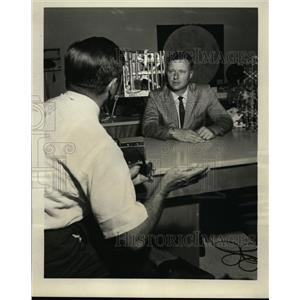 1969 Press Photo Dr Wilmot Hess of Manned Spacecraft Center Houston - nee87794