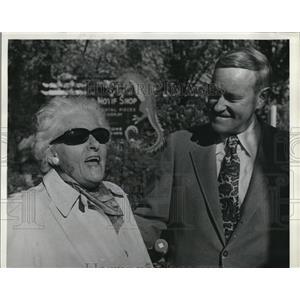 1970 Press Photo Dorothy Lawson McCall & son Tom campaign for Governor