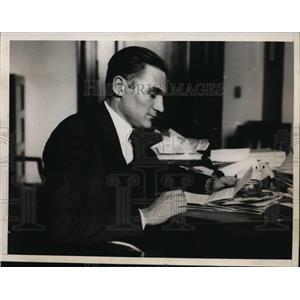 1928 Press Photo Senator Gerald Nye of North Dakota in His Office