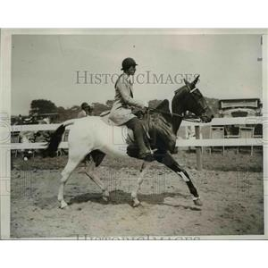 1933 Press Photo Ms Dorothy McMurray at Westhampton County Club - nee90941