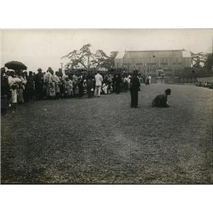 1919 Press Photo Japanese Religious Ceremony Emperor Praying