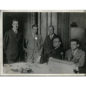 1928 Press Photo Radio Operators At The Meeting - nee96843