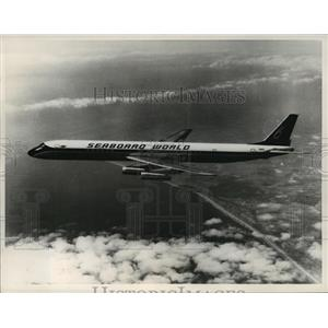1968 Press Photo Seaboard World Airways DC-8 jet, carrying US soldiers to Viet