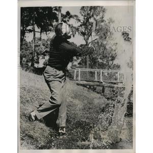 1940 Press Photo Jake Powell Yankee outfielder golfing at St Petersburg Fla