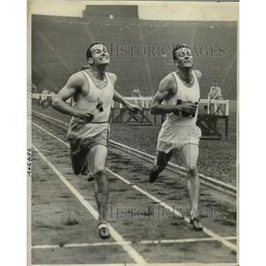 1936 Press Photo Bill Bonthron, Gene Venzke in 500 meter run at Harvard