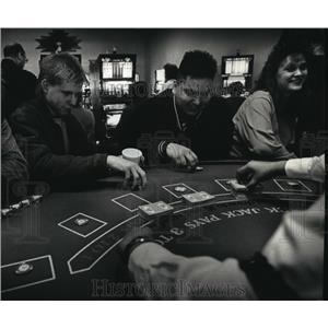 1993 Press Photo Marcus Ballinger playing at the Ho-Chunk casino in Lake Delton