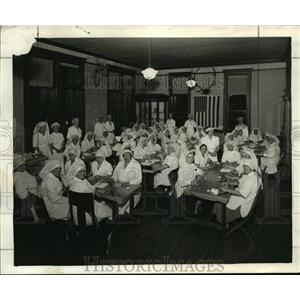1942 Press Photo Museum rooms turning them over to the Red Cross  - mja16441