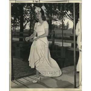 1941 Press Photo Virginia Meyenberg, now Mrs. Robert Blotz - mja17749
