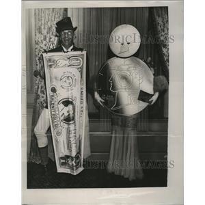 1935 Press Photo Mr. and Mrs. Morton Lee - mja18533