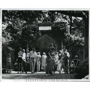 1975 Press Photo George Washington's Tomb in Mount Vernon  - mja19111