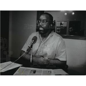 1995 Press Photo Eric Vonn, radio personality at WMCS - am - mja11387