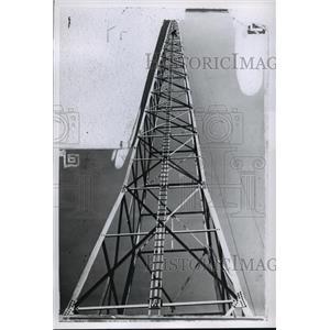 1927 Press Photo North Antenna tower of WTMJ, Mil. Journal - Radio - Transmitter