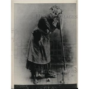 """1883 Press Photo Actress May Robson in """"The Hoop of Gold"""" Play - ney13000"""