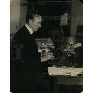 1922 Press Photo Paul F. Godley of Radio at Typewriter - ney13872