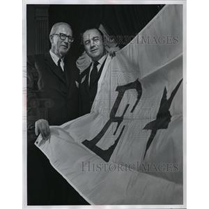 1870 Press Photo Award Presented to Robert V. Krikorian for Rex Chainbelt Inc.