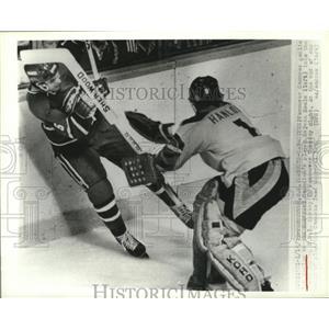 1979 Press Photo Vancouver Canucks goalie Don Hanlon in action - nes52586