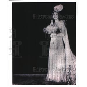1939 Press Photo Carnival Queen of Twelfth Night Revelers Charlotte Hardie.
