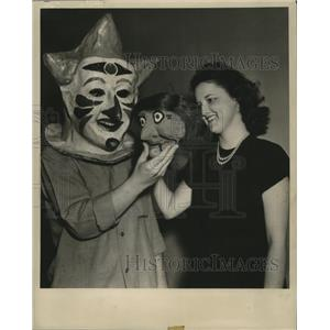1947 Press Photo New Orleans Mardi Gras, Madge Bruder and Eddie Pardue