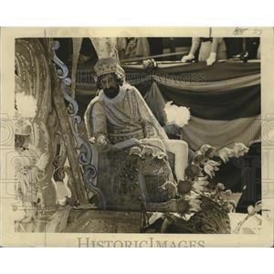 1934 Press Photo King on Float at Carnival Rex Parade, Mardi Gras, New Orleans