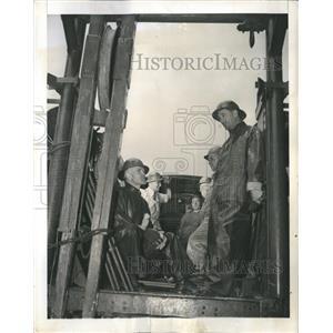1942 Press Photo Telephone Workers - RRR16521